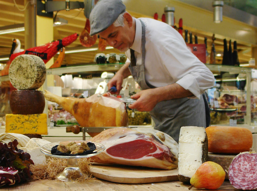 Le food Hall di EAT'S Store e Bistrot partner ufficiali della 23° edizione.